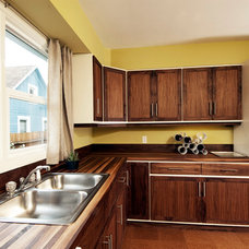 Modern Kitchen by thejoinery.com