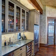 Rustic Kitchen by Ellis Custom Homes LLC