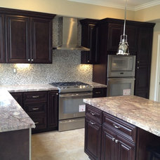 Traditional Kitchen by Alltec Services Inc.