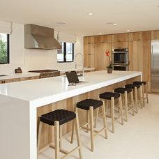 Modern Kitchen by Martin Kobus Home