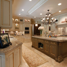 Traditional Kitchen by David Brandsen Construction Inc.