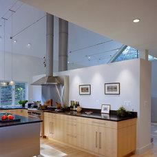 Modern Kitchen by Randall Mars Architects