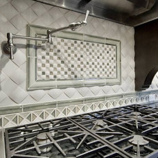 Traditional Kitchen by ARTifact Interior Design