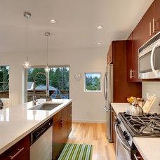 Contemporary Kitchen by LimeLite Development