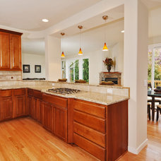Traditional Kitchen by The Alhadeff Group