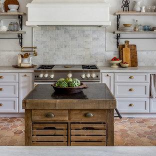 Cucina in montagna con pavimento con cementine - Foto e Idee per ...