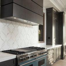 Transitional Kitchen by Jon Eric Christner ARCHITECT INC.