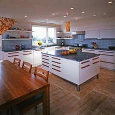Contemporary Kitchen by r.e.a.l.  ronald evitts architect llc