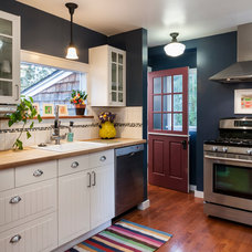 Farmhouse Kitchen by Jesse Young Property and Real Estate Photography