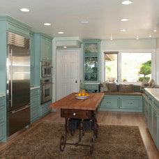 Traditional Kitchen by Superior Kitchen & Bath, Inc.