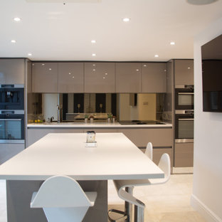 Rearrange display kitchen in glossy calm modern finish