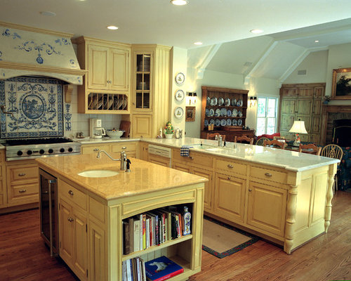 Blue and yellow kitchen houzz for Blue and yellow kitchen decorating ideas
