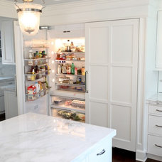 Traditional Kitchen by Raynor Woodworking Inc.