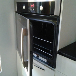 Recessed oven