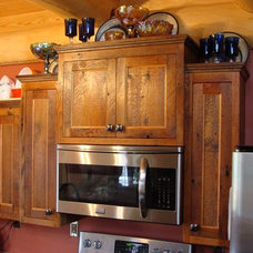 Traditional Kitchen by Vienna Woodworks