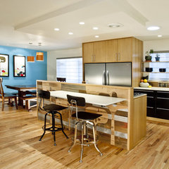 contemporary kitchen by Design Platform