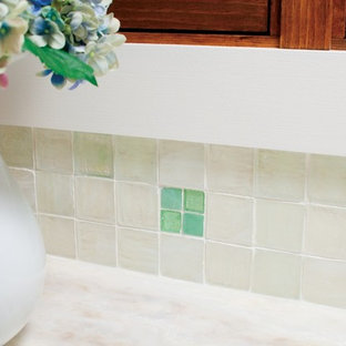 Recycled Bottleglass Kitchen Backsplash