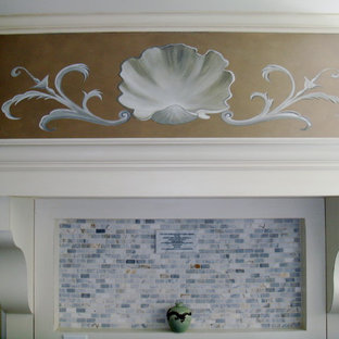 Traditional kitchen pictures - Inspiration for a timeless kitchen remodel in Miami