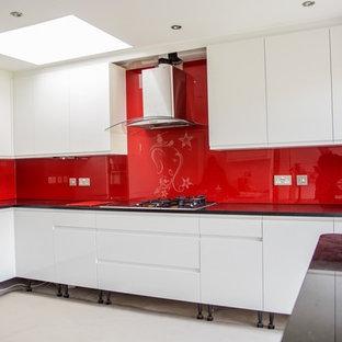 """""""RED GANESH GLITTER"""" Stenciled Glass Kitchen Splashback by CreoGlass Design"""