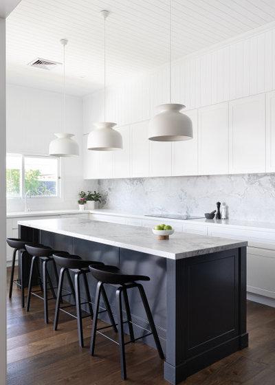 コンテンポラリー キッチン by Bella Vie Interiors