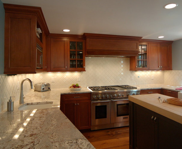 Traditional Kitchen by Siburtek LLC