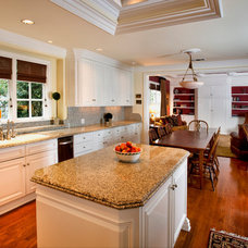 Traditional Kitchen by Mark Reuter