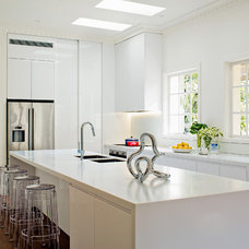 Contemporary Kitchen by SWG STUDIO
