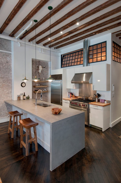 Industrial Kitchen by Reiko Feng Shui Design