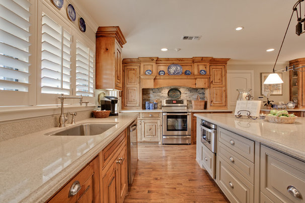 Traditional Kitchen by Jodell Clarke Designs
