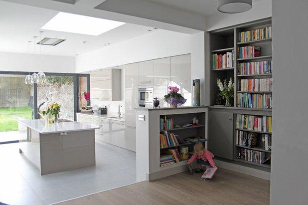 Modern Kitchen by DMVF Architects