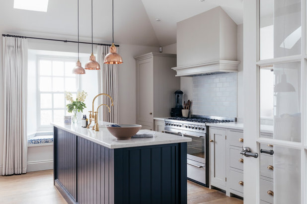 Coastal Kitchen by Tanya Leech Ltd.