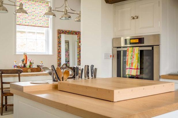 Modern Kitchen by Hill Farm Furniture Ltd