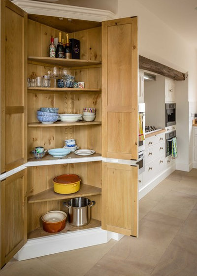 Traditional Kitchen by Hill Farm Furniture Ltd