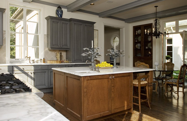 Traditional Kitchen by Kenneth Lynch & Associates