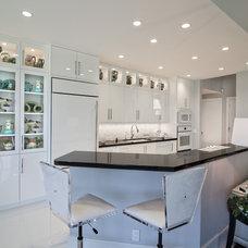 Contemporary Kitchen by Deborah Freedman Design
