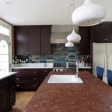 Contemporary Kitchen by Centerline Architects