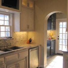 Traditional Kitchen by Port Interiors