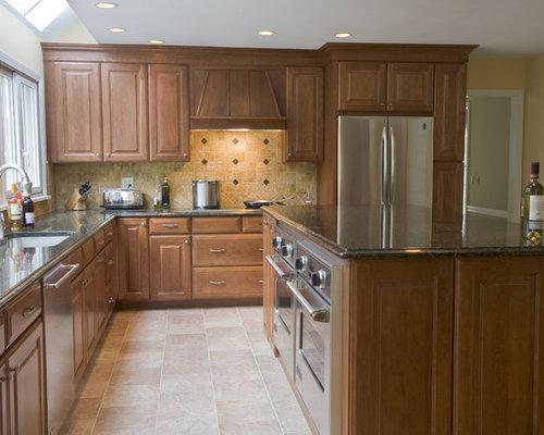 Bridgeport Kitchen Design Ideas Renovations Photos With Stone Tile Splashback