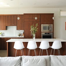 Contemporary Kitchen by Eyco Building Group Ltd.