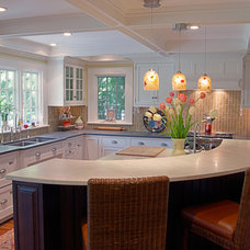 Traditional Kitchen by John James Architect, AIA
