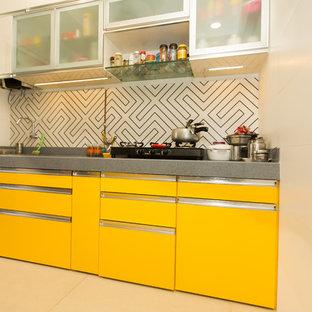 Tropenstil Küche in Mumbai