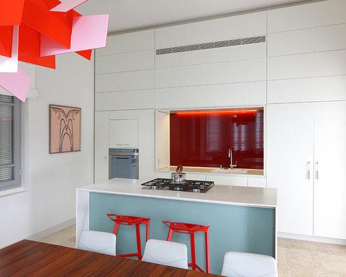 Cuisine moderne avec une cr dence rouge photos et id es for Amenagement cuisine parallele