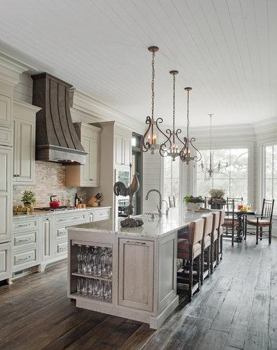 Кантри Кухня by Grady L Woods Architect, LLC