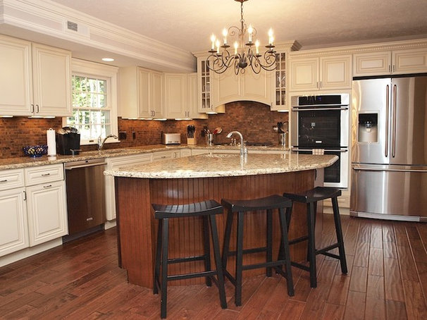 Traditional Kitchen by Perrino Cabinetry Direct