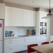 Contemporary Kitchen by Hill Mitchell Berry Architects