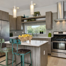 Contemporary Kitchen by Soundview Photography
