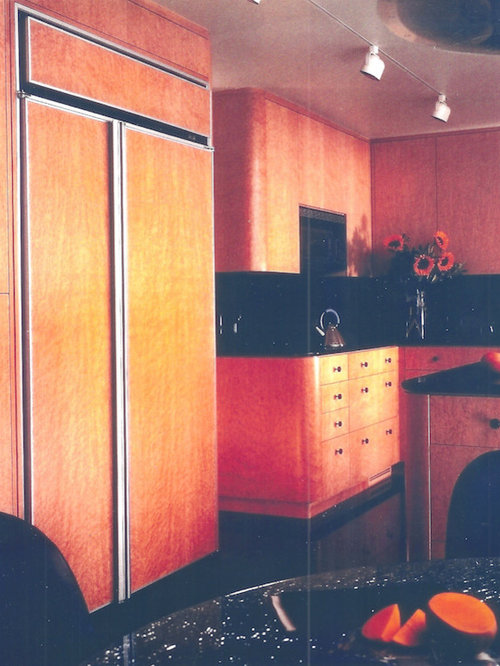 Pink kitchen with brown cabinets design ideas pictures for Pink and brown kitchen ideas