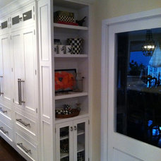 Traditional Kitchen by APPLE KITCHENS
