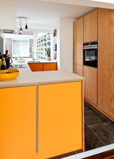 Contemporary Kitchen by Koivu Ltd