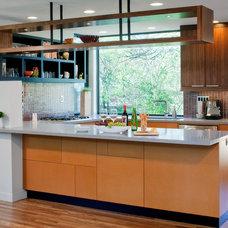 Contemporary Kitchen by mark lind, sun+stone design